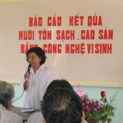 PGS.TS – Nguyễn Thanh Hiền – Giám đốc Trung tâm Nghiên cứu và Ứng dụng Phân bón Vi sinh BioGro