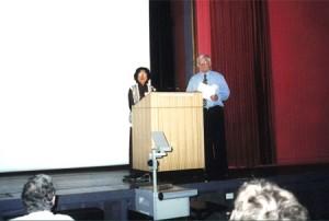 """PGS.TS Nguyễn Thanh Hiền tại Hội thảo quốc tế về """"Cố định Nitơ sinh học"""" tháng 02 năm 2000, Sydney, Australia"""